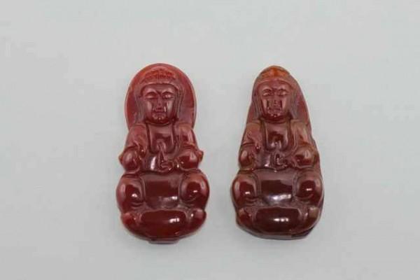 Guan Yin-Amulett mit 1mm Bohrung, 40-48mm, Karneol