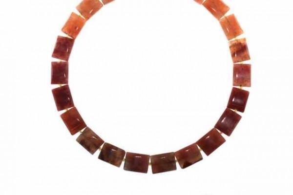 Rechteckstrang gewölbt 12x16mm/65cm, roter Chalcedon (Irkutzk)