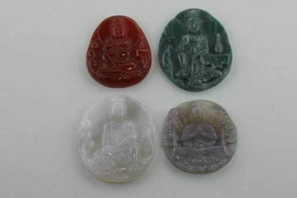 Guan Yin-Amulett mit 1mm Bohrung, 35x45mm, Achat