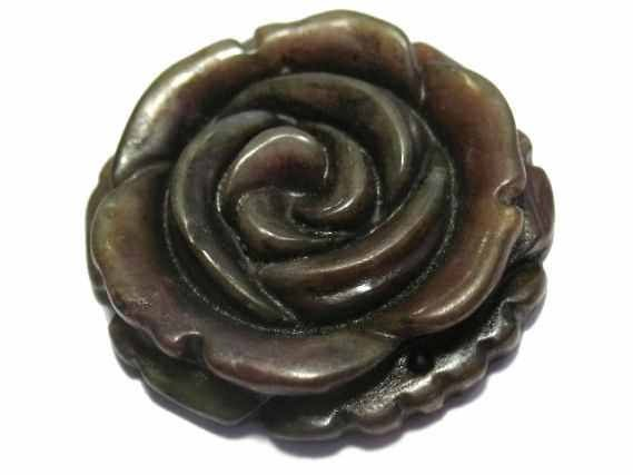 Rosen-Medaillon 33-35mm, gebr.Jade
