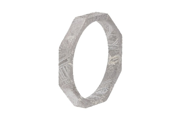Ring 8-eckig, Größe 52, 3mm breit, 16,6 mm innen, rhodinierter Eisenmeteorit (Muonionalusta)