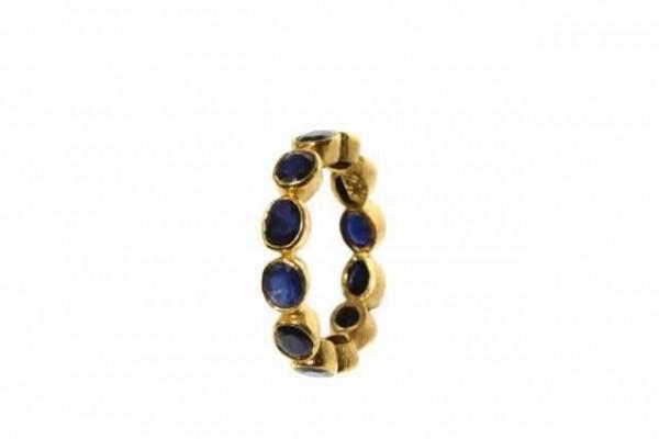 Ring Größe 60, 18K Gelbgold mit 12 facettierten blauen Saphiren